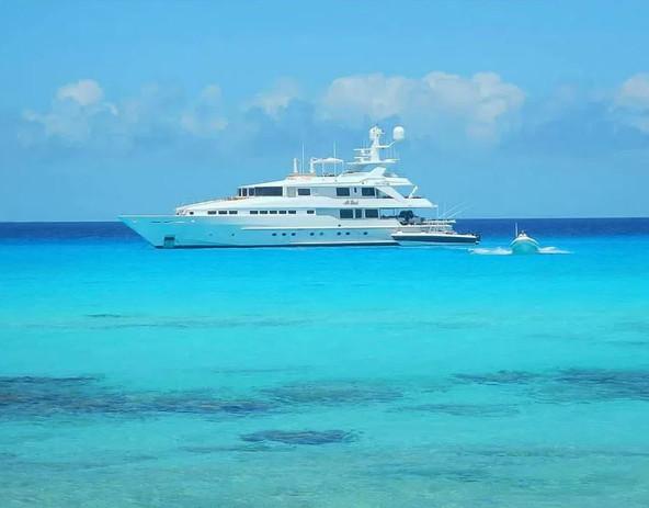 Boating in Bahamas.JPG