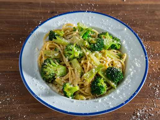 MY METHOD for making SPAGHETTI with BROCCOLI GARLIC AND OIL