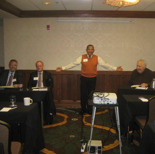 Jaime Torres recognizes speakers - 2016-