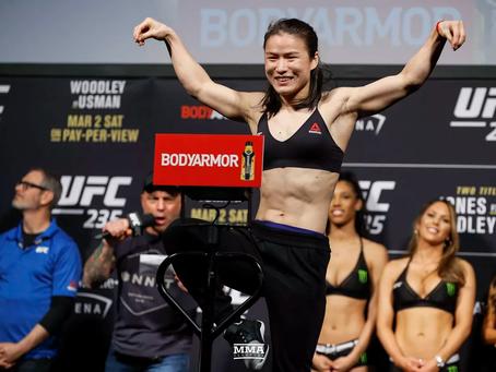UFC kampioene Zhang Weili (张伟丽)geeft gepassioneerde toespraak na slopend gevecht