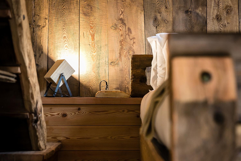 il letto ricavato da legni antichi