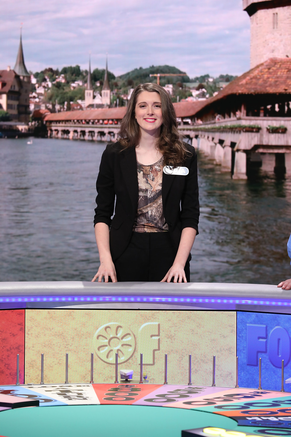 AnnaTheArcher appears on Wheel of Fortune