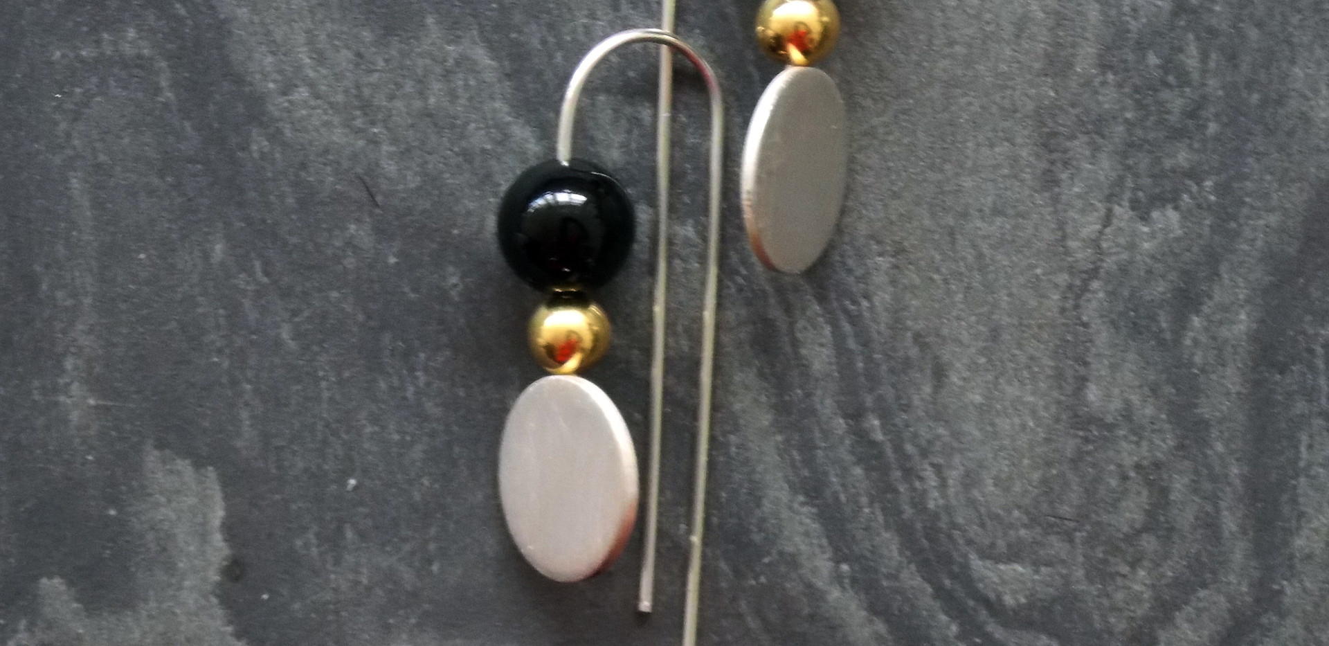 Luna and Satellite Small  Earrings - Bla