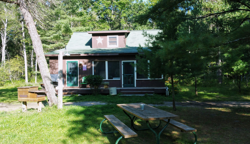Mio Cabin Front yard