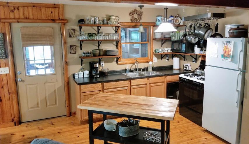 Cabin kitchen1