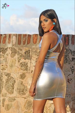 Model: @Vivianaguivas Makeup: @Glamby.eve Outfit: @Mustclothingshop