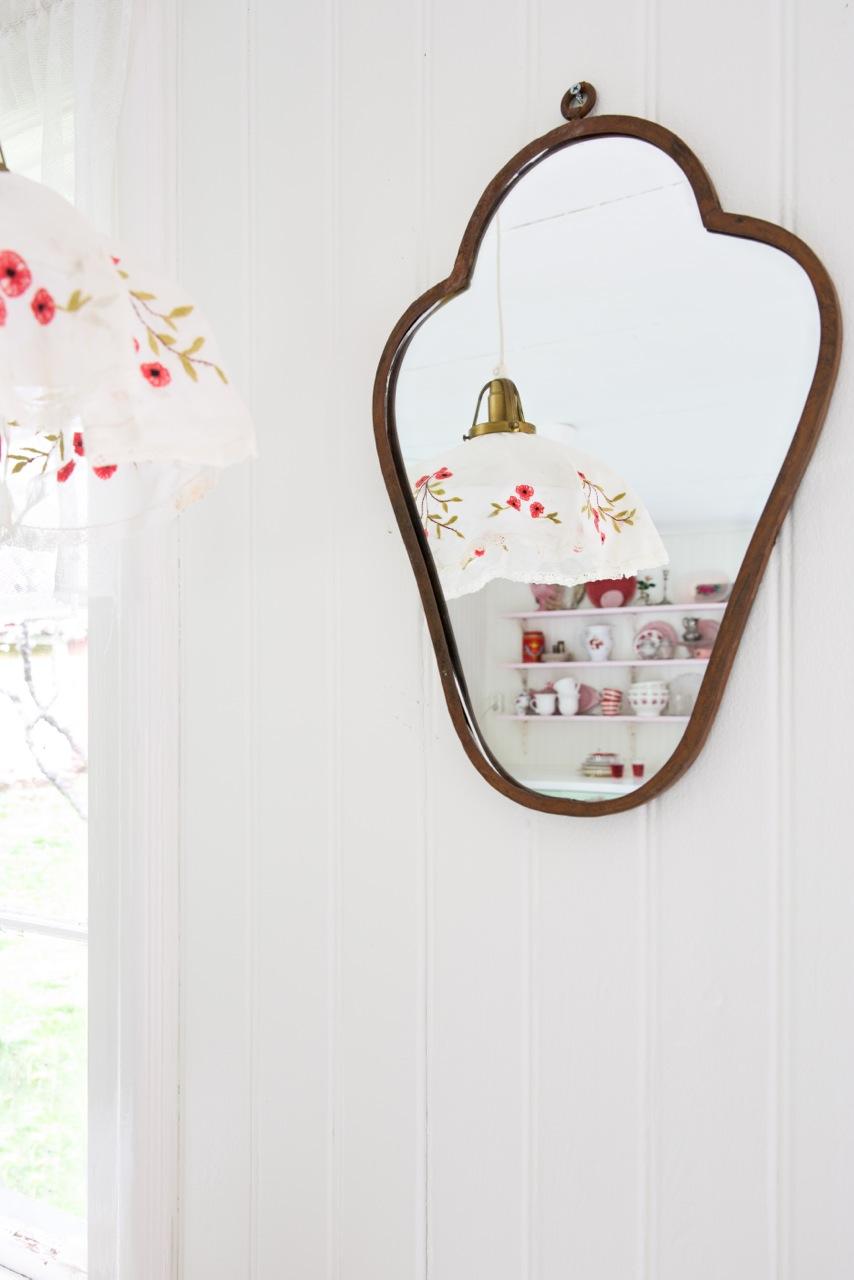 11.Spegel.och.lampa