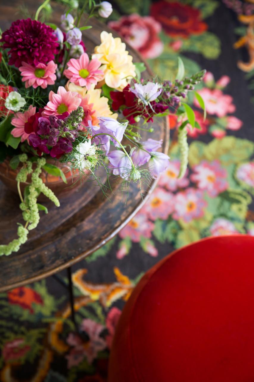 web.06.Blommor i vas och pa matta