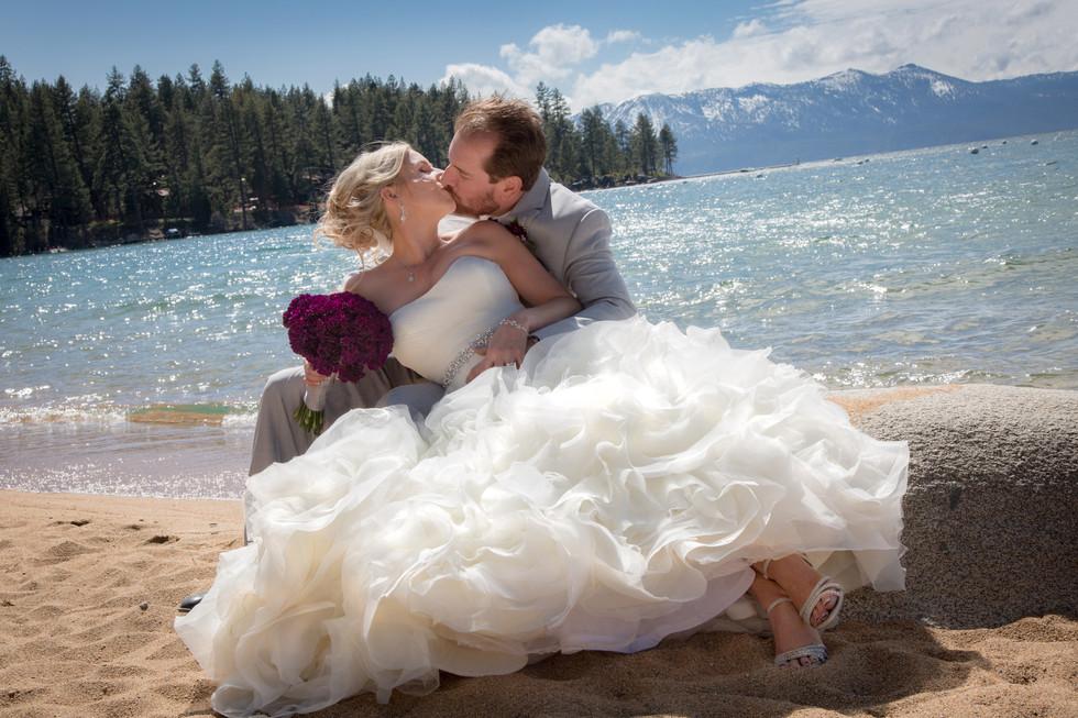 Kiss at lovely Lake Tahoe