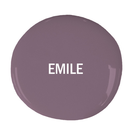 Chalk-Paint-blob-with-text-Emile.jpg