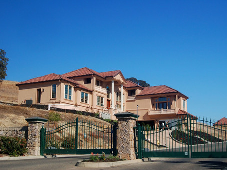 5 Benefits of a Gated Community