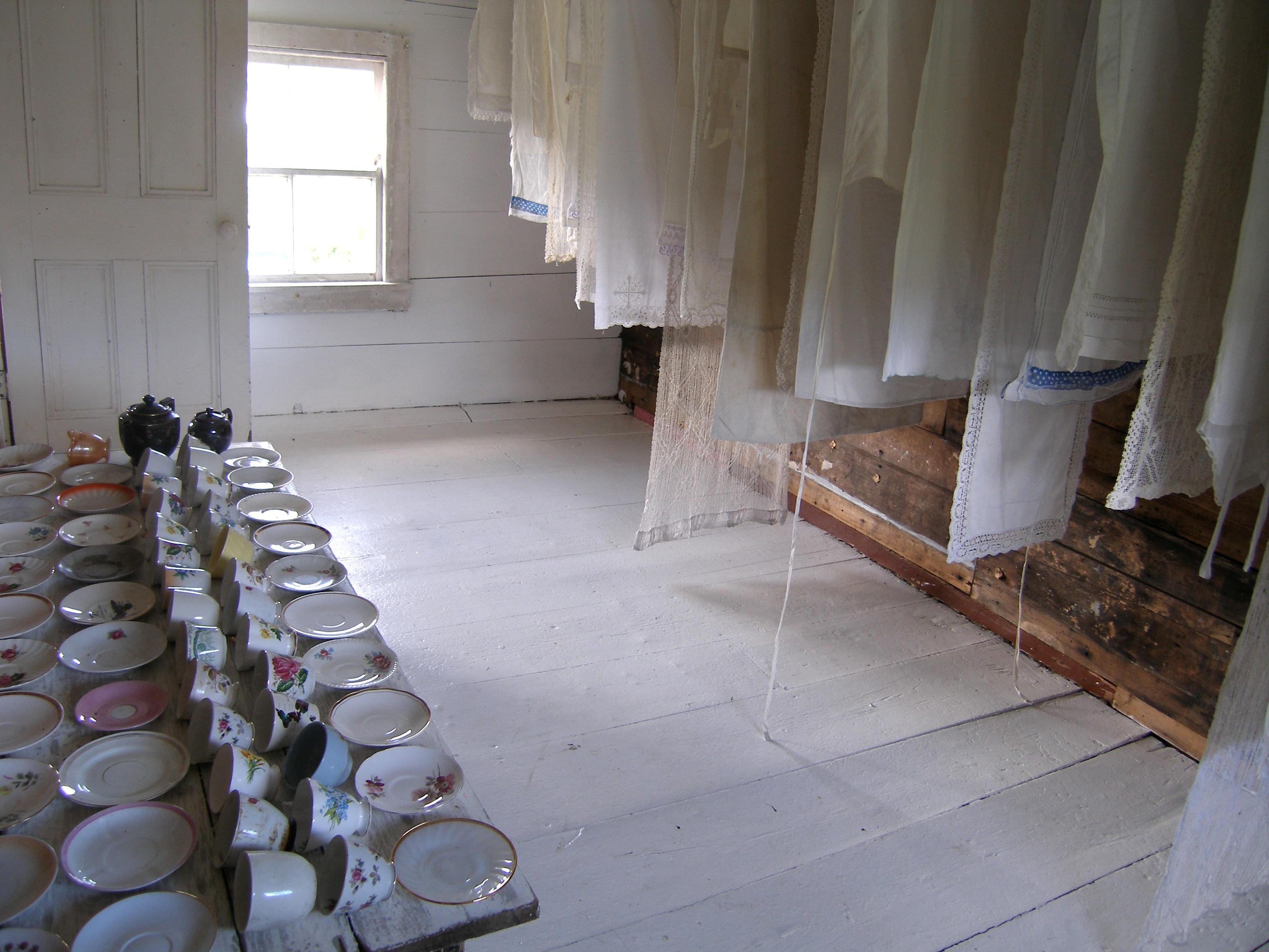 Epitaph_cups&linen