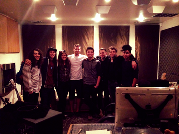 LOS 5 invades Chart Vision's NOHO Studio for the weekend!