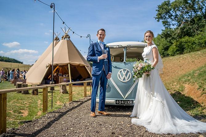29.Essense-of-Australia-wedding-bride-En