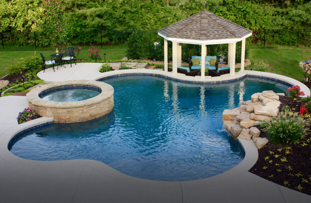 pool and tub.jpg