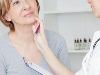Remedii Naturale pentru Nodulii Tiroidieni