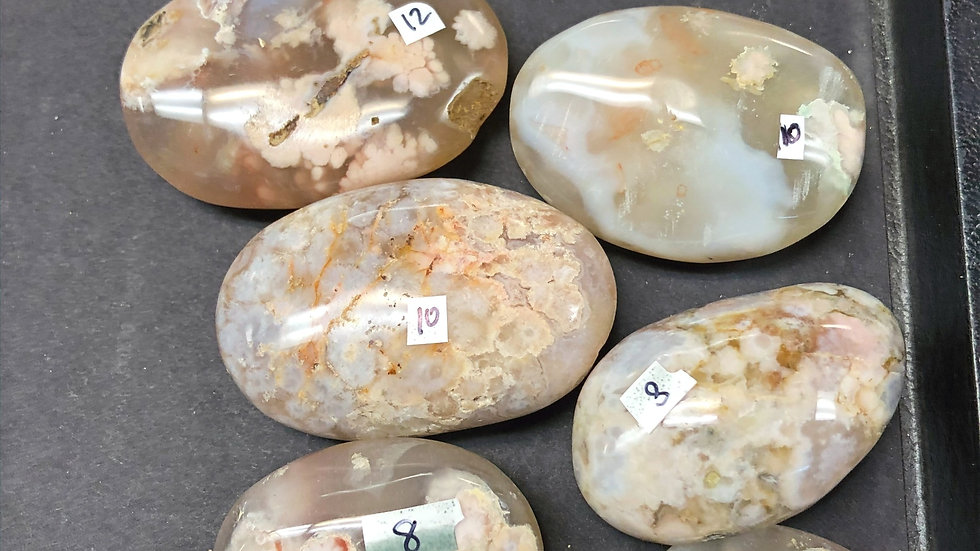 Agate-Flower Palm Stone