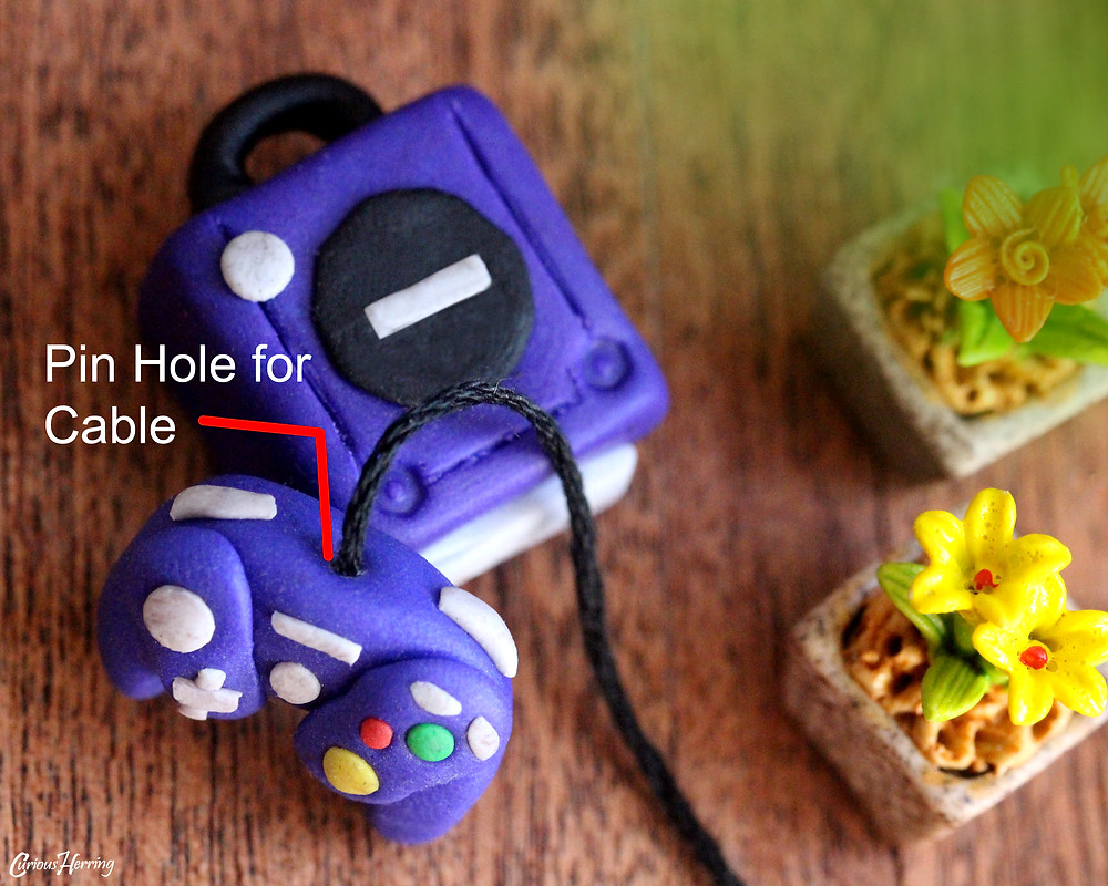 Miniature DIY Nintendo GameCube and Controller made out of Fimo