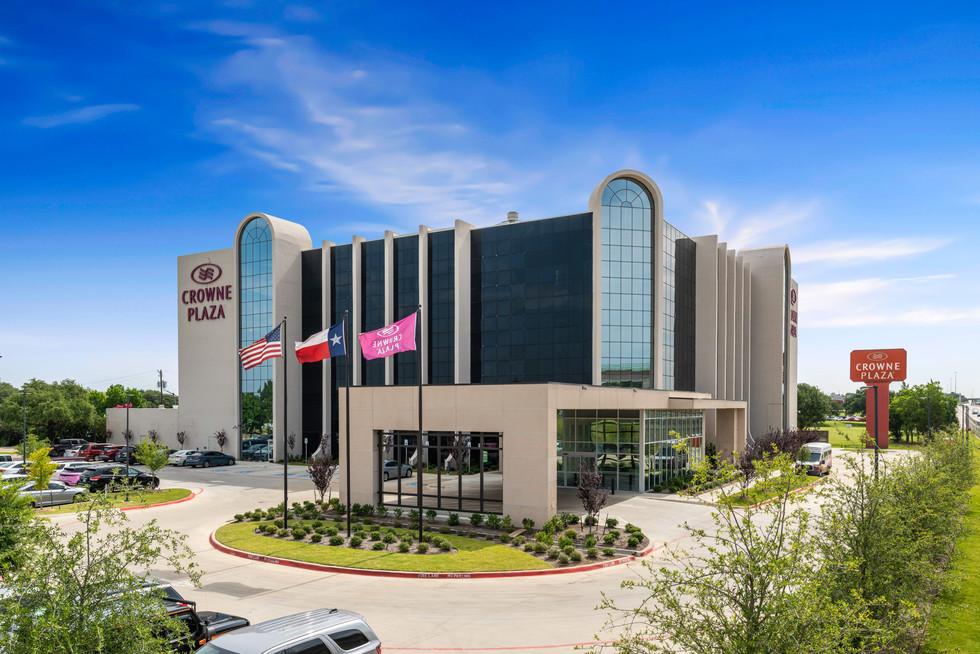 -DallasPro- Crowne Plaza Hotel-3.jpg