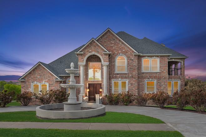 1048 Mallard Pointe Drive Cedar Hill, TX 75104