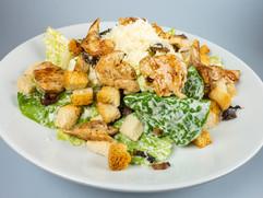 Caesar salát sgrilovaným kuřecím masem