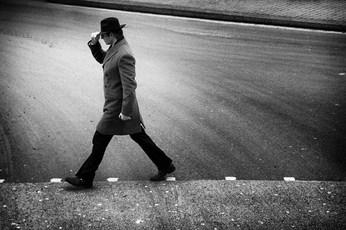 Crossing the Road © Alexandros Dalkos