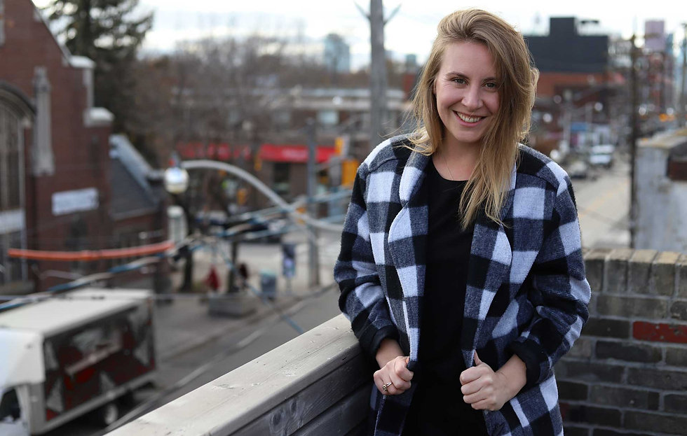 jenna-warriner-hamilton-social-media-man