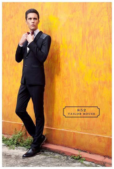 獨家設計的黑色禮服