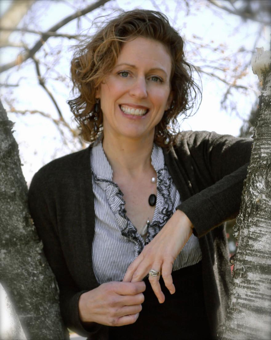 DSC_0965 Natalie in tree.jpg