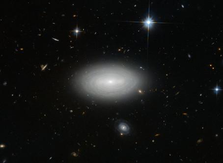 A Galáxia mais solitária do Universo