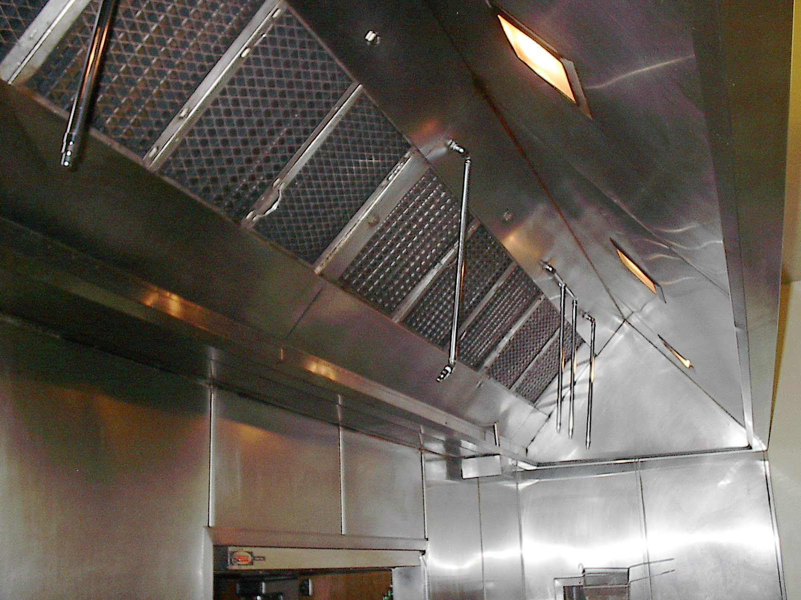 restaurant hood after ..jpg