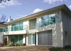portes-de-garage-coulissante-aluminium-l