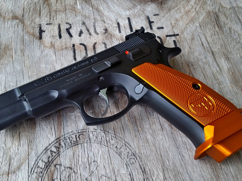 CZ 75 Base Pad - 'PLUS 2 - Cube Style' - RED | armorycraft