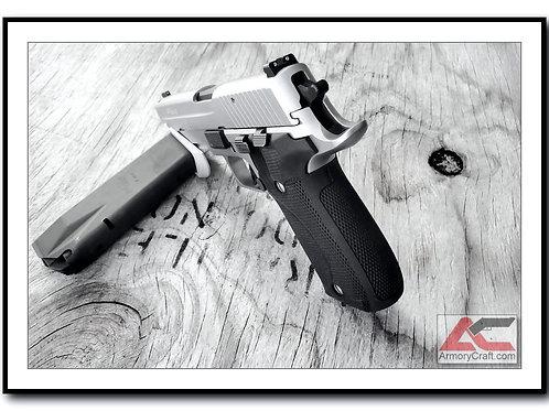 G10 SIG 226 DA/SA Grips - Armory Craft