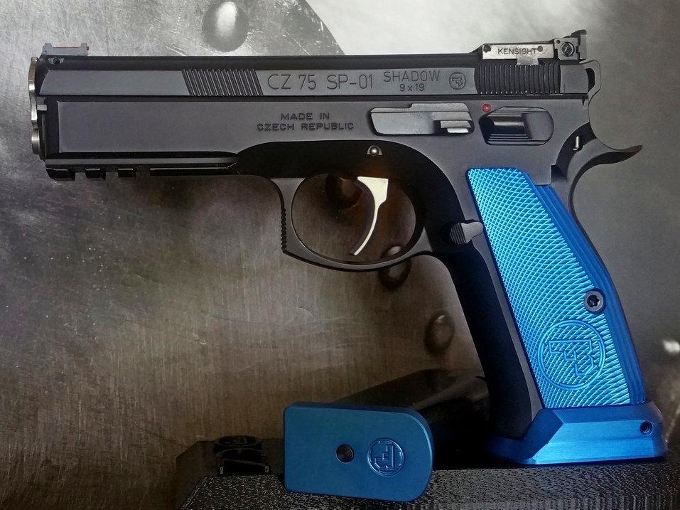 CZ 75 Alluminum MAGWELL - BLUE