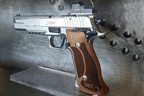 SIG 226 X5 X6 SAO TARGET Grips - Armory Craft
