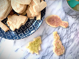 Sugar Cookies w/Dye-Free Sugar Crystals