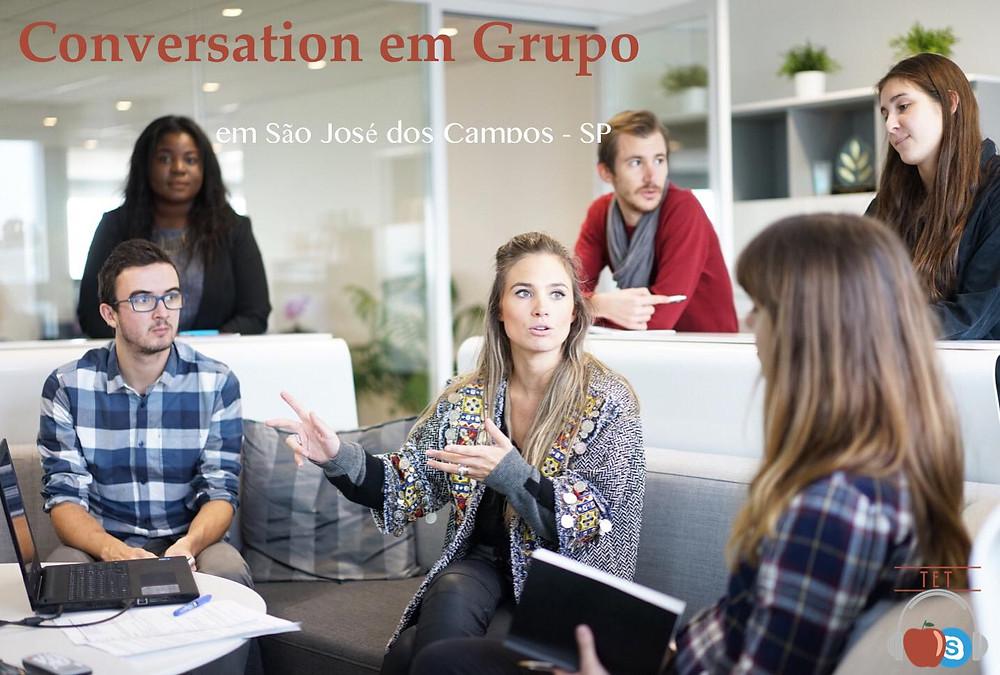 mini imersão em inglês aulas de conversação em grupo são josé dos campos são paulo aulas particulares de inglês professores particulares via skype aulas online pessoas conversando laptop