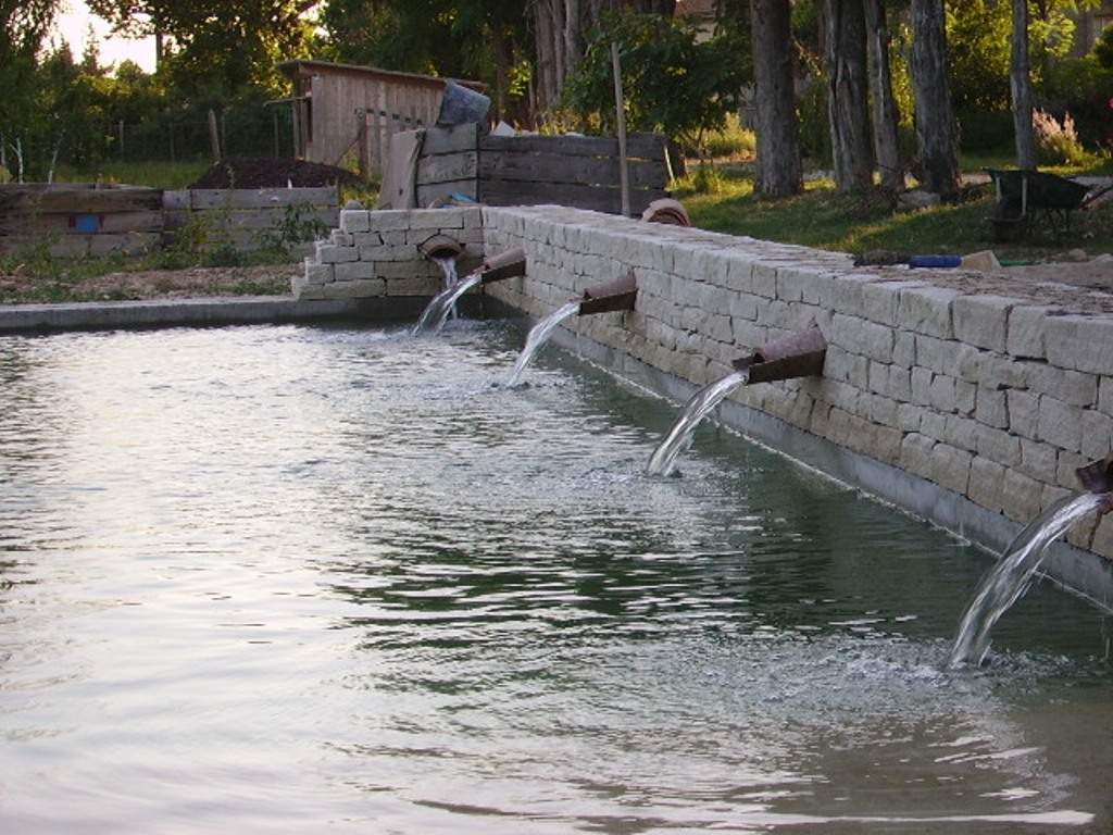 Petit muret de piscine