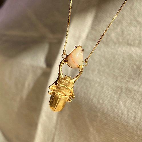 Gargantilha escaravelho Opala