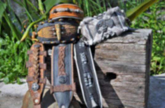 Windhundhalsbänder mit Flechtarbeiten