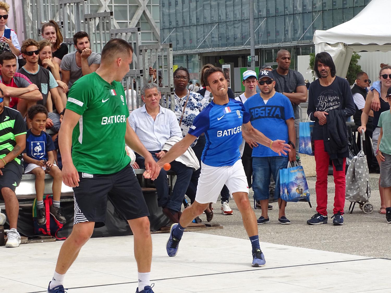 Frontball Paris laDéfense 24