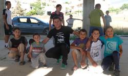 Mahmoud et de jeunes frontballers