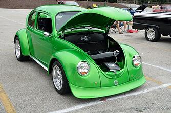 classic-car-1738343_1920.jpg
