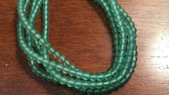 long 18plus in w/ clasp glass beaded green necklace