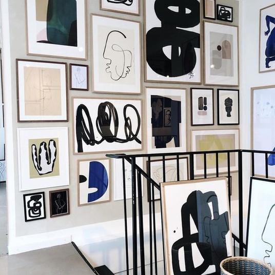 A Pop of Black in Artwork  | Poppsee