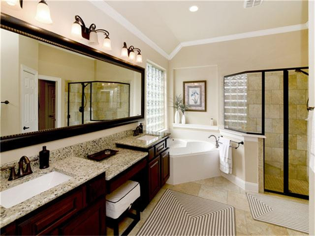 Master Bath in The Woodlands, TX