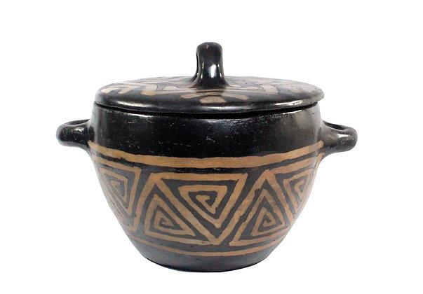 Panela média de cerâmica