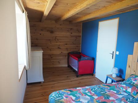 Chambre à grand lit gîte Haute-Loire