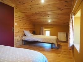 Chambre à 2 lits tourisme gîte